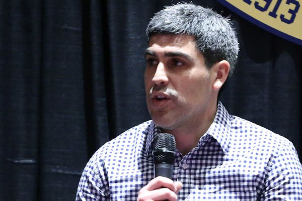 Claudio Reyna, speaking earlier this year at the NSCAA Convention.  Credit: Andy Mead - ISIPhotos.com