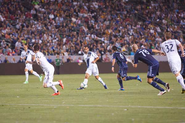 The Galaxy on the attack against Sporting KC.  Credit: Michael Janosz - ISIPhotos.com