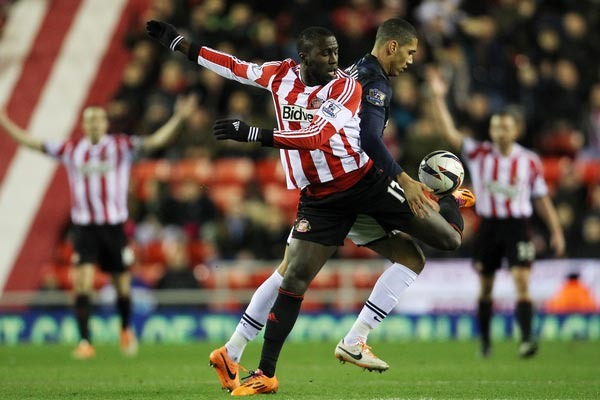 Sunderland's Jozy Altidore and Manchester United's Chris Smalling in the League Cup. Credit: Matt West - ISIPhotos.com