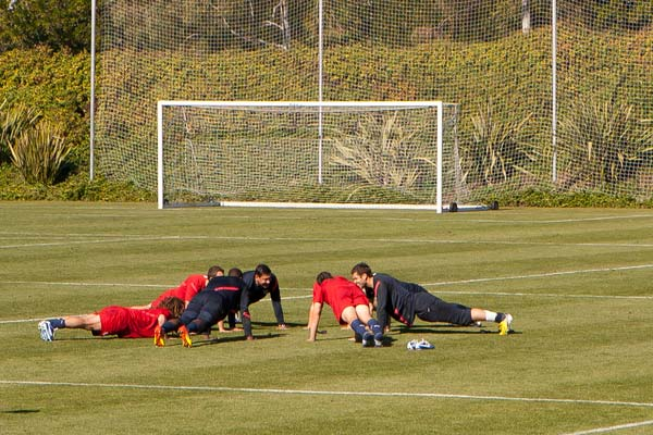 usmnt soccer training push ups