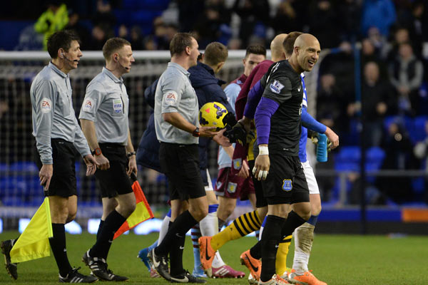 tim howard referee everton premier league