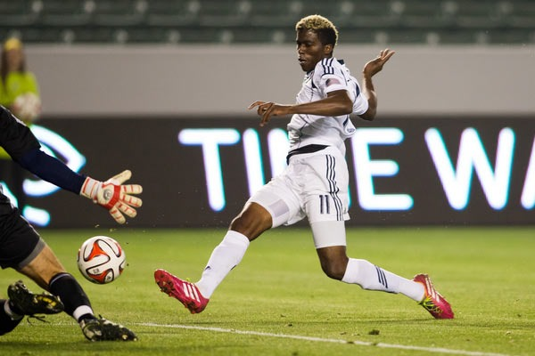 gyasi-zardes-la-galaxy-mls-soccer-player