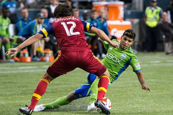 deandre-yedlin-seattle-sounders-real-salt-lake-mls