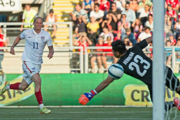 brek-shea-goal-usmnt-chile-soccer-friendly