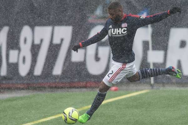 new-england-revolution-soccer-andrew-farrell-snow-gillette-stadium-2015-mls-season