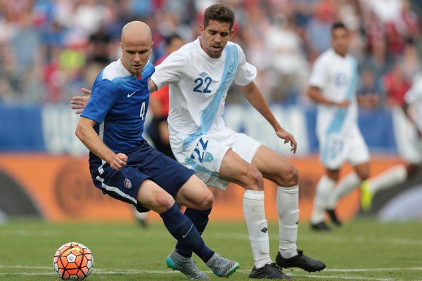 michael-bradley-usmnt-soccer-friendly-guatemala-july-2015