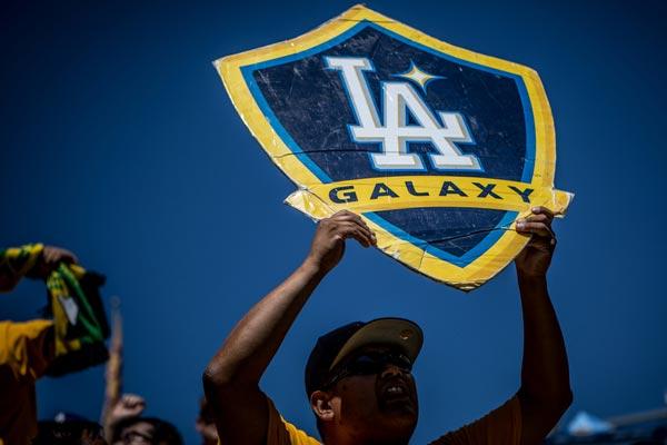 la-galaxy-support-mls-soccer