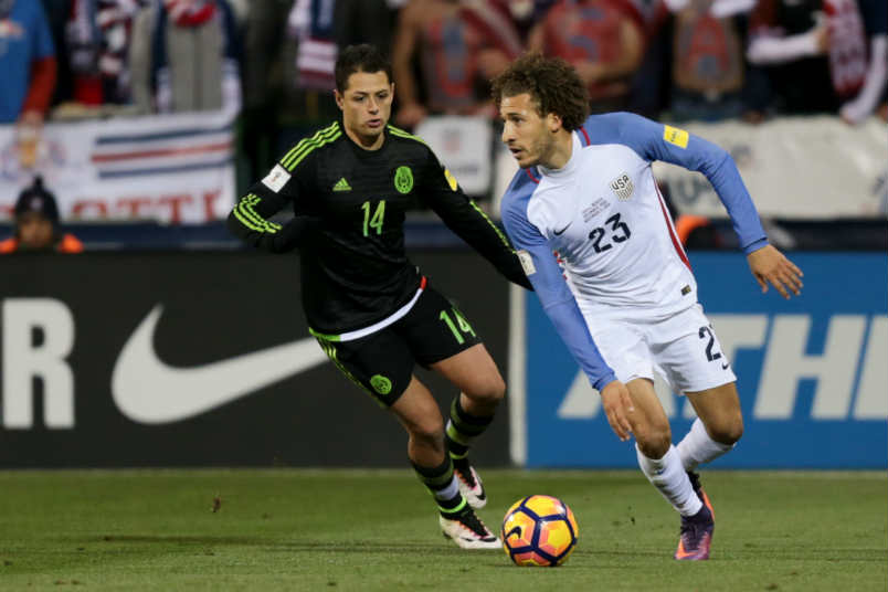 fabian johnson chicharito usmnt mexico concacaf world cup qualifying soccer nov 2016