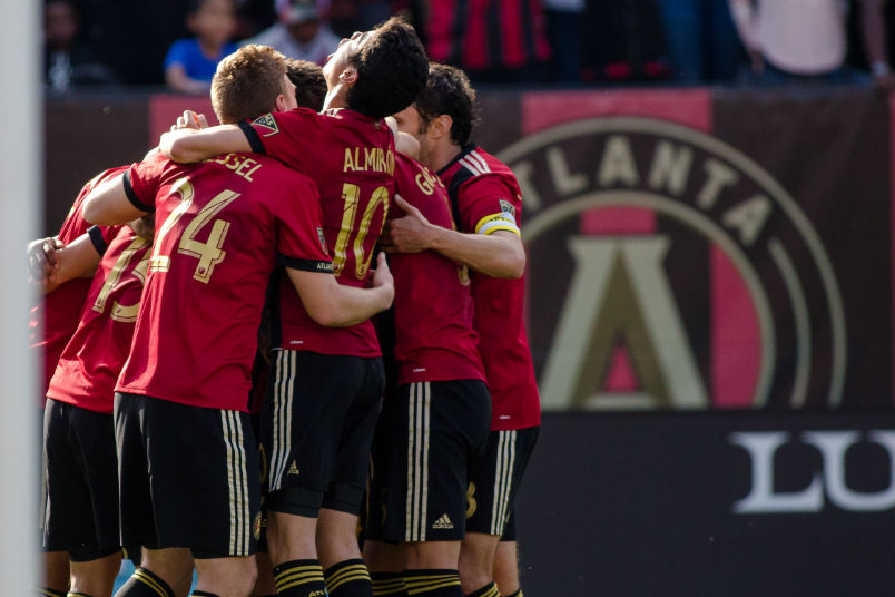 atlanta-united-goal-celebration-mls-soccer-players