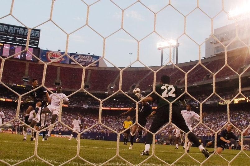 oguchi-onyewu-goal-gold-cup-soccer