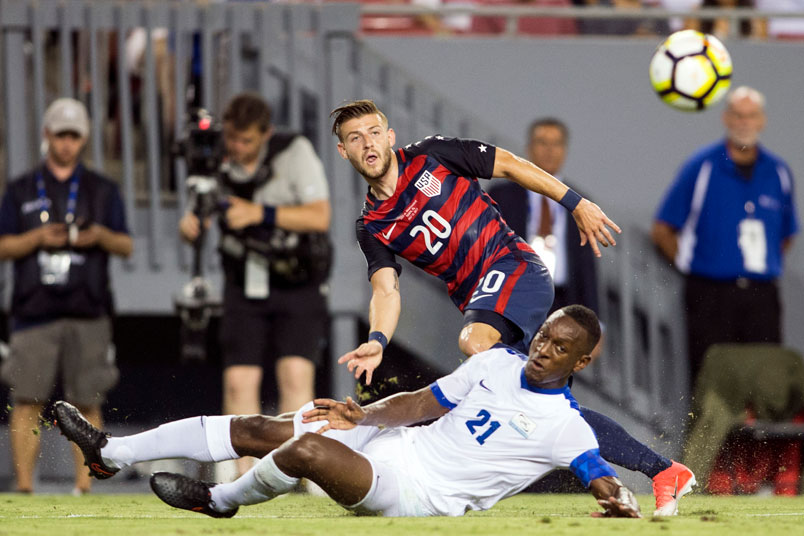 paul-arriola-usmnt-soccer-player-cross-ball-martinique-gold-cup-game