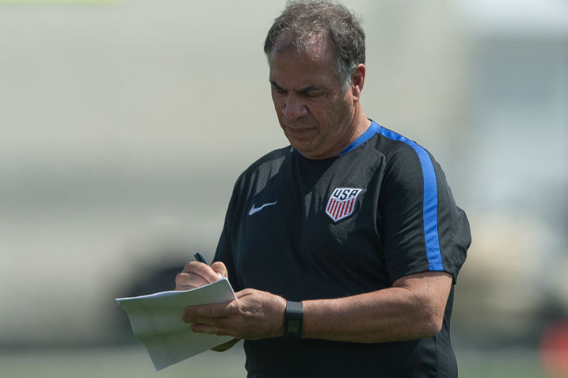 usmnt-coach-bruce-arena-cleveland-training-session-gold-cup