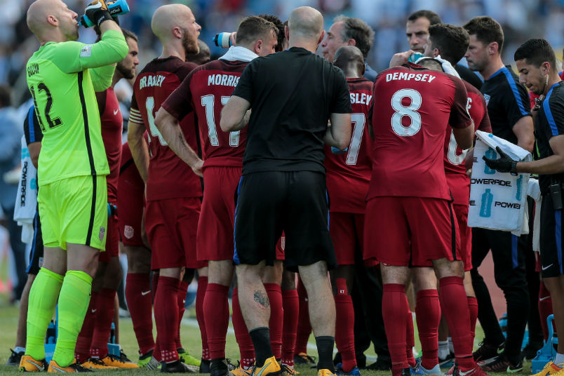 usmnt-water-break-honduras-world-cup-qualifier