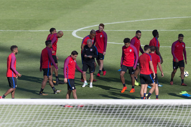 usmnt-training-portugal-friendly-group