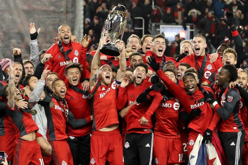 toronto-2017-mls-cup-trophy-celebration