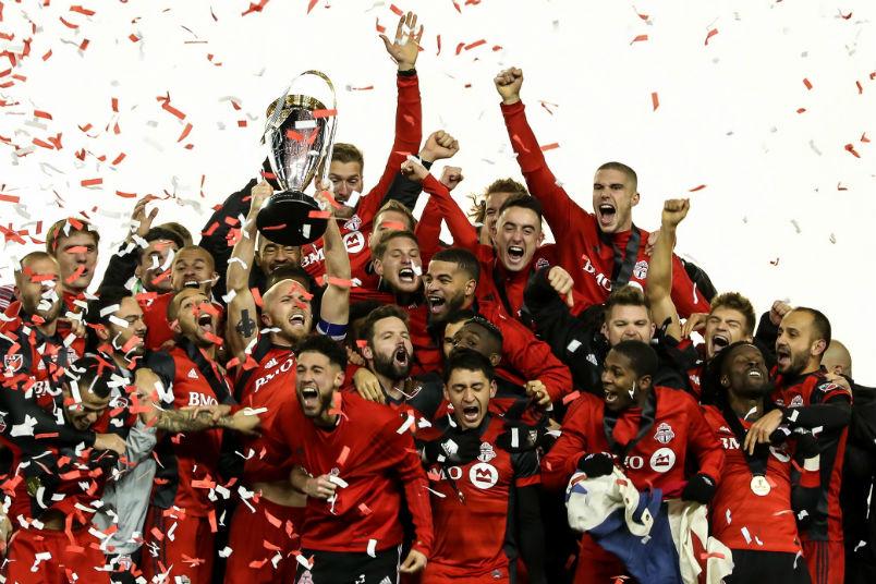 toronto-trophy-celebration-2017-mls-cup