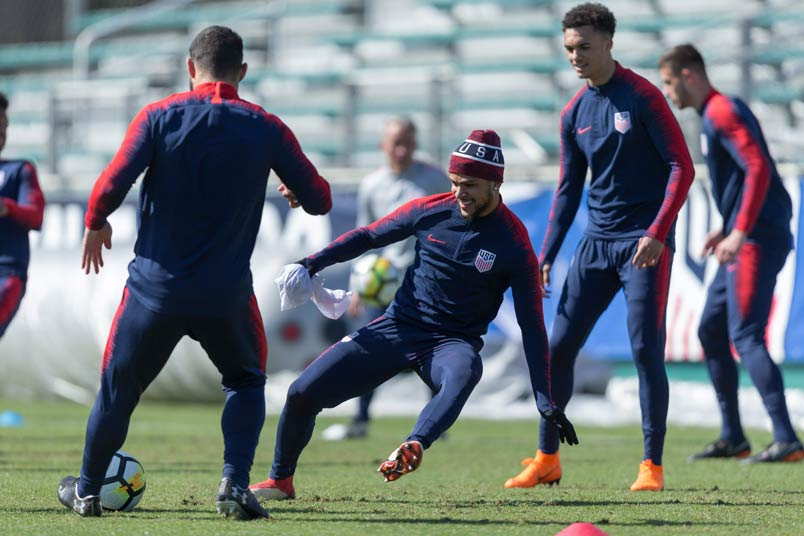 DeAndre Yedlin during a USMNT training session.
