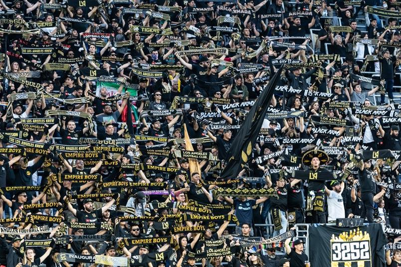 lafc fans scarves