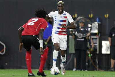 The USMNT wins big, Mexico doesn't