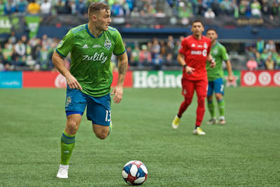 The early MLS contenders