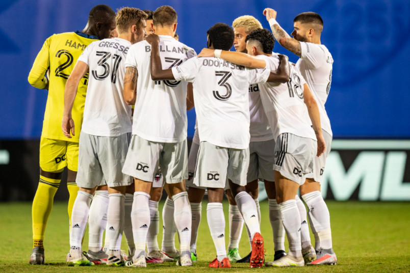 dc united huddle against montreal on july 21 2020