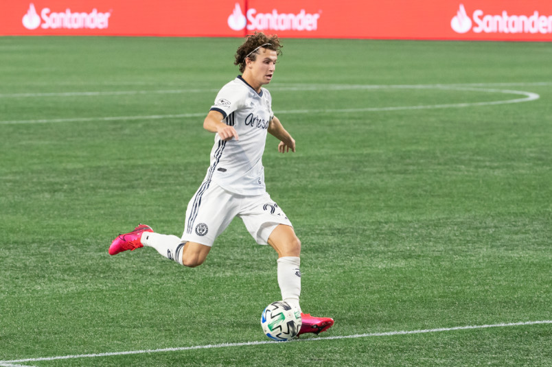 brenden aaronson in action for the union