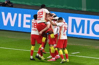 RB Leipzig wins, Barcelona advances, and goals in the Championship