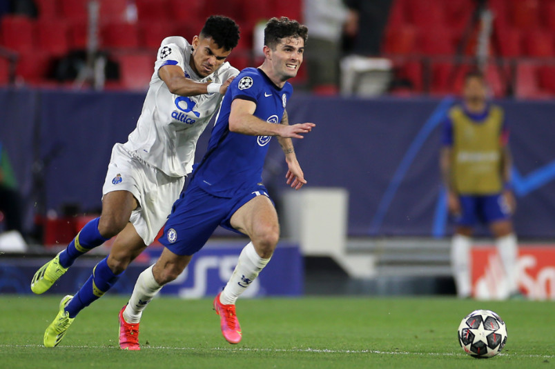 christian pulisic in action against porto