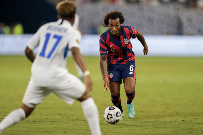 gianluca busio on the ball against martinique