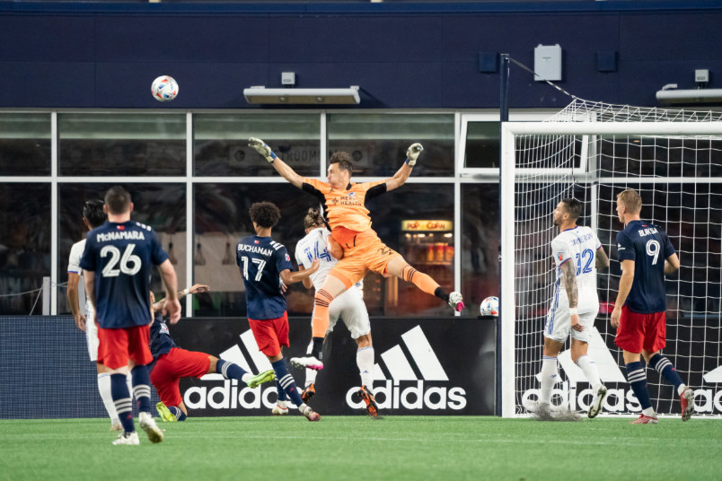 fc cincinnati goalkeeper przemyslaw tyton in action against New England.