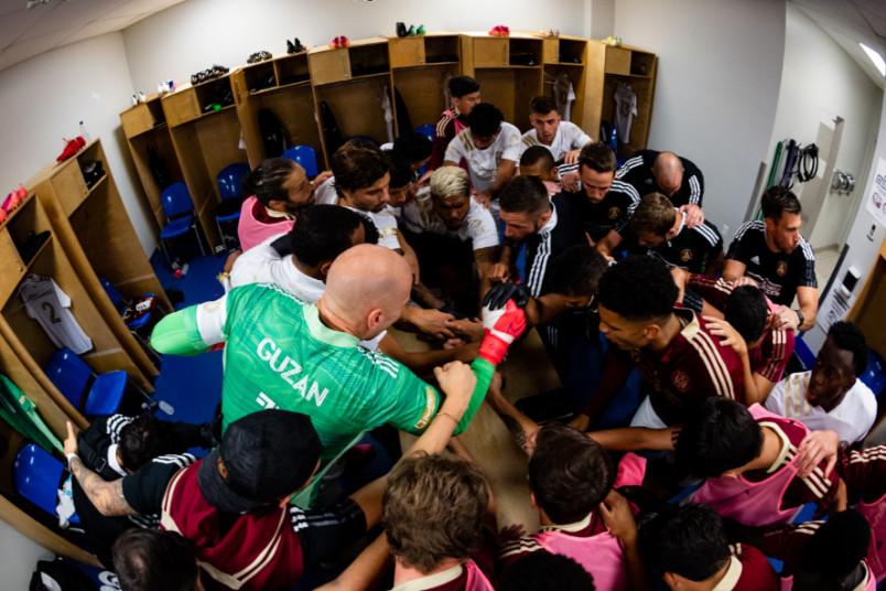 atlanta united in stade saputo locker room